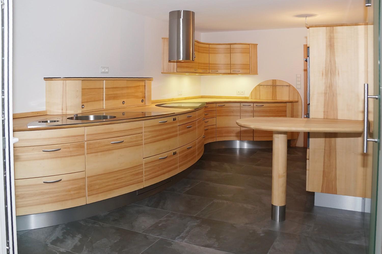 wir stellen aus living kitchen in k ln. Black Bedroom Furniture Sets. Home Design Ideas